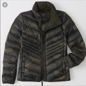 ABERCROMBIE Lightweight Puffer Jacket Size M
